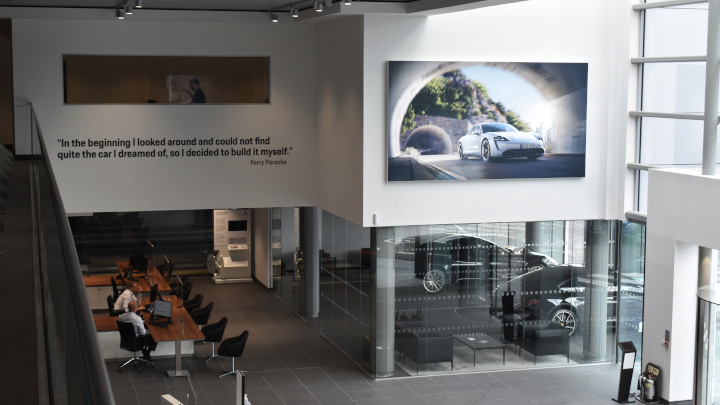 Stratstone Porsche Centre Stockport Interior