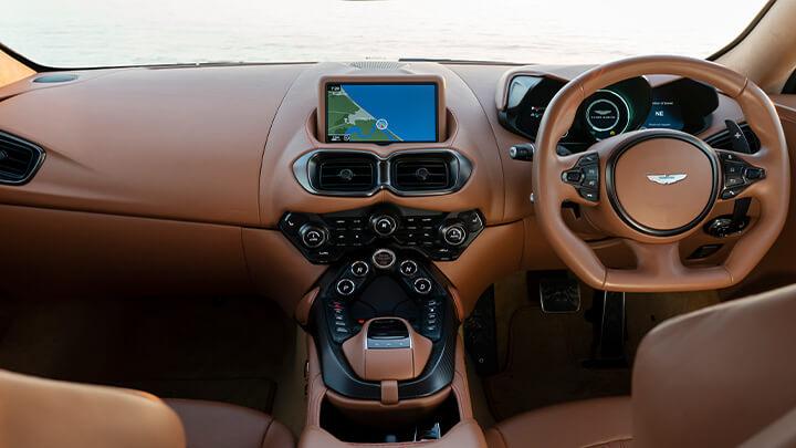 Aston Martin Vantage, Interior