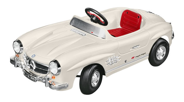 Mercedes-Benz 300SL Electric-powered children's car.