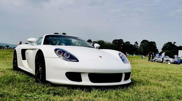 Porsche Carrera GT in white.