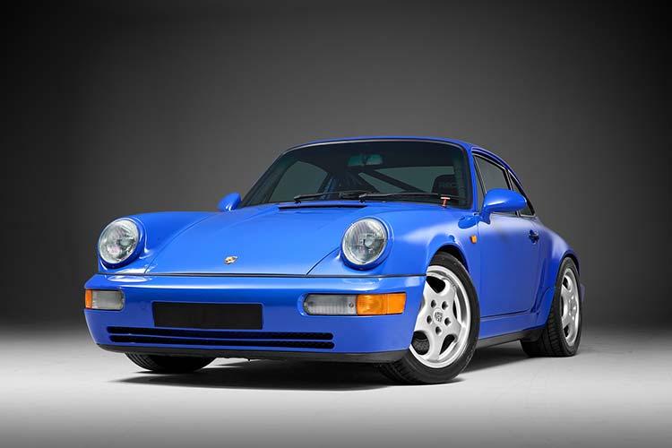 Porsche 991 Carrera S in blue.