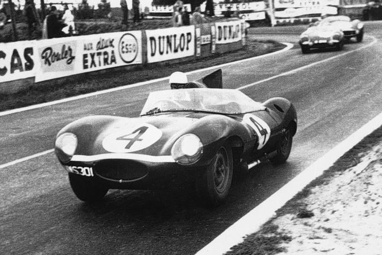 Jaguar D-Type racing at Le Mans Classic.