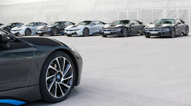 BMW i8s lined up.