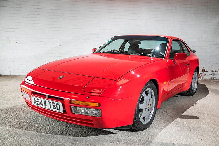 Porsche 944 in red.