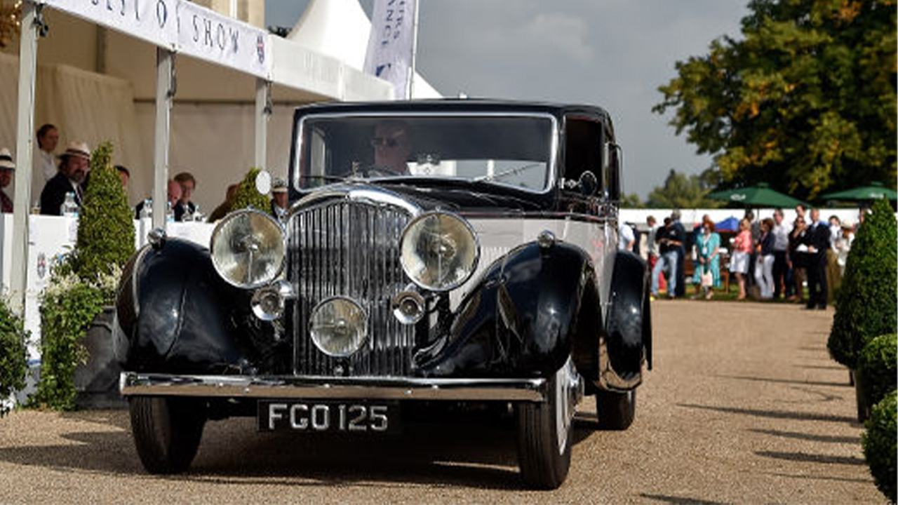 Two-tone Bentley 3.5 Litre