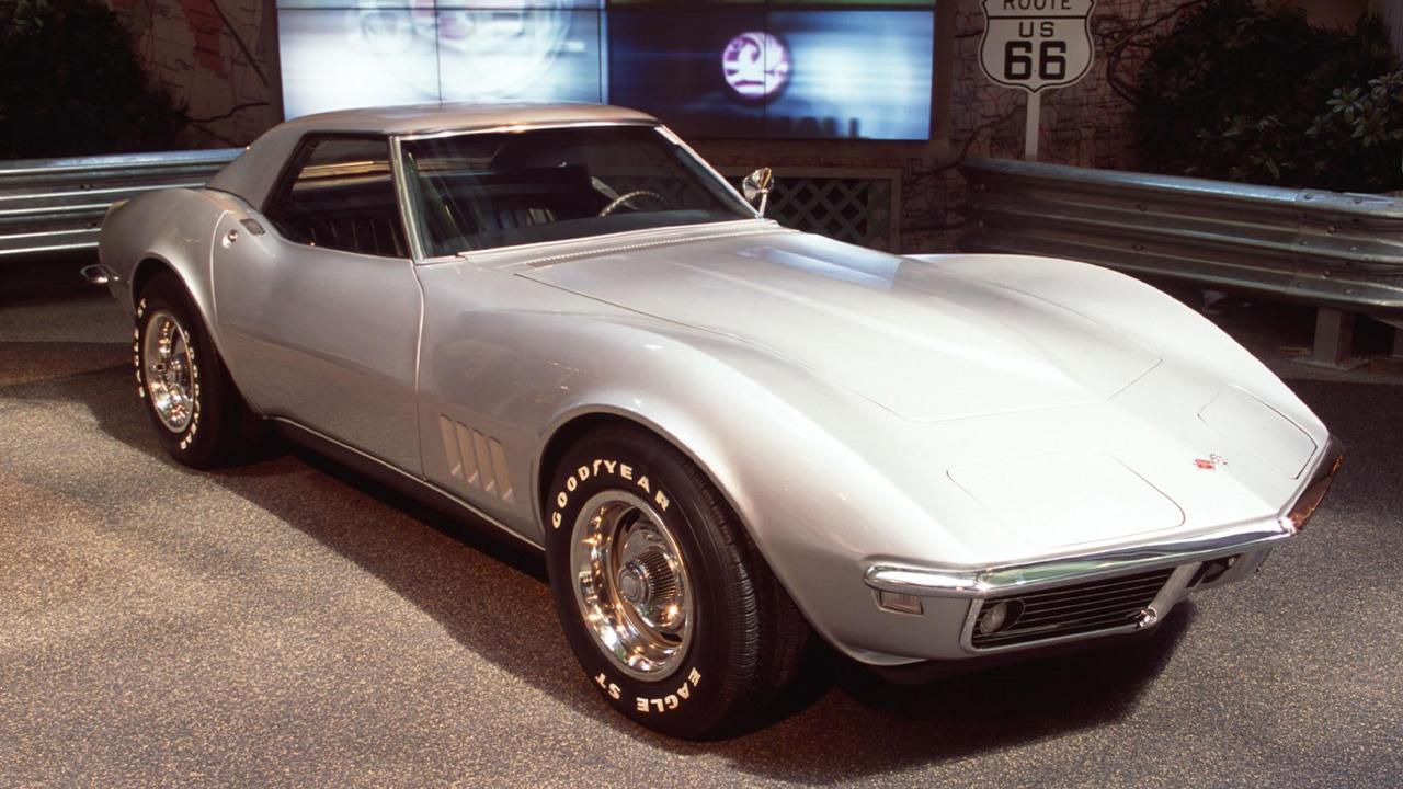 Silver Chevrolet Corvette, parked