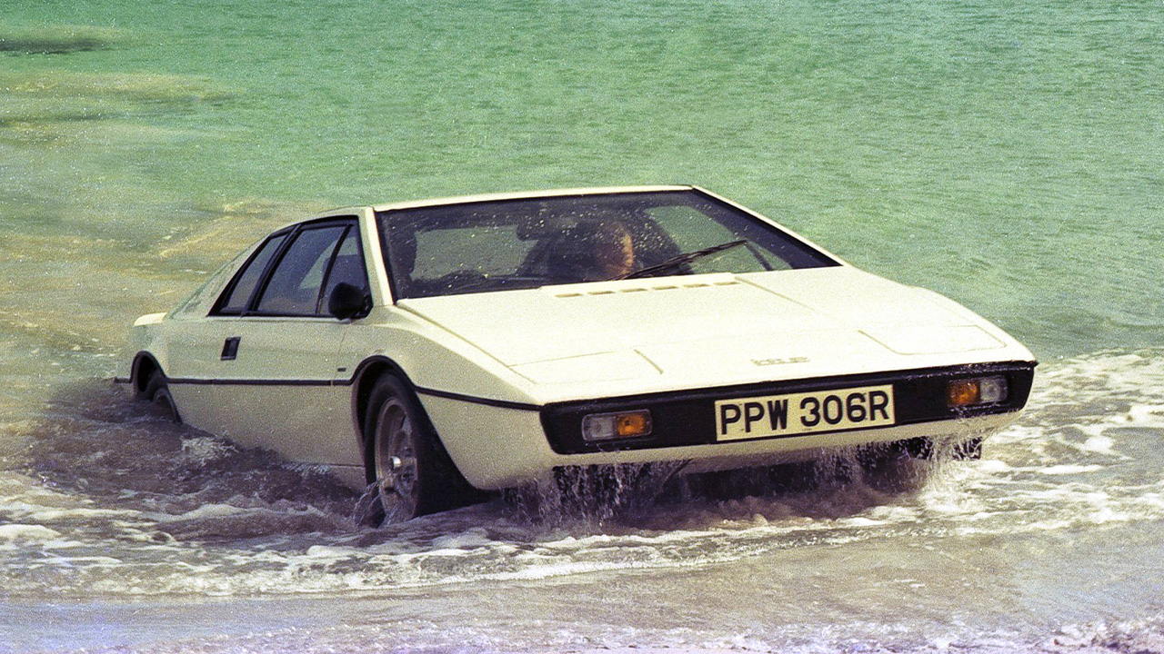 James Bond Lotus Esprit pulling onto a beach after leaving the sea