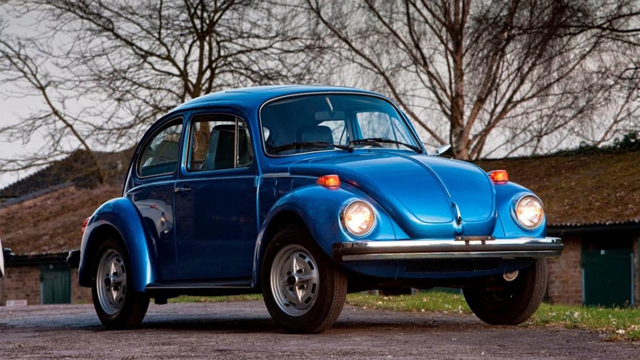 Blue Volkswagen Beetle, parked
