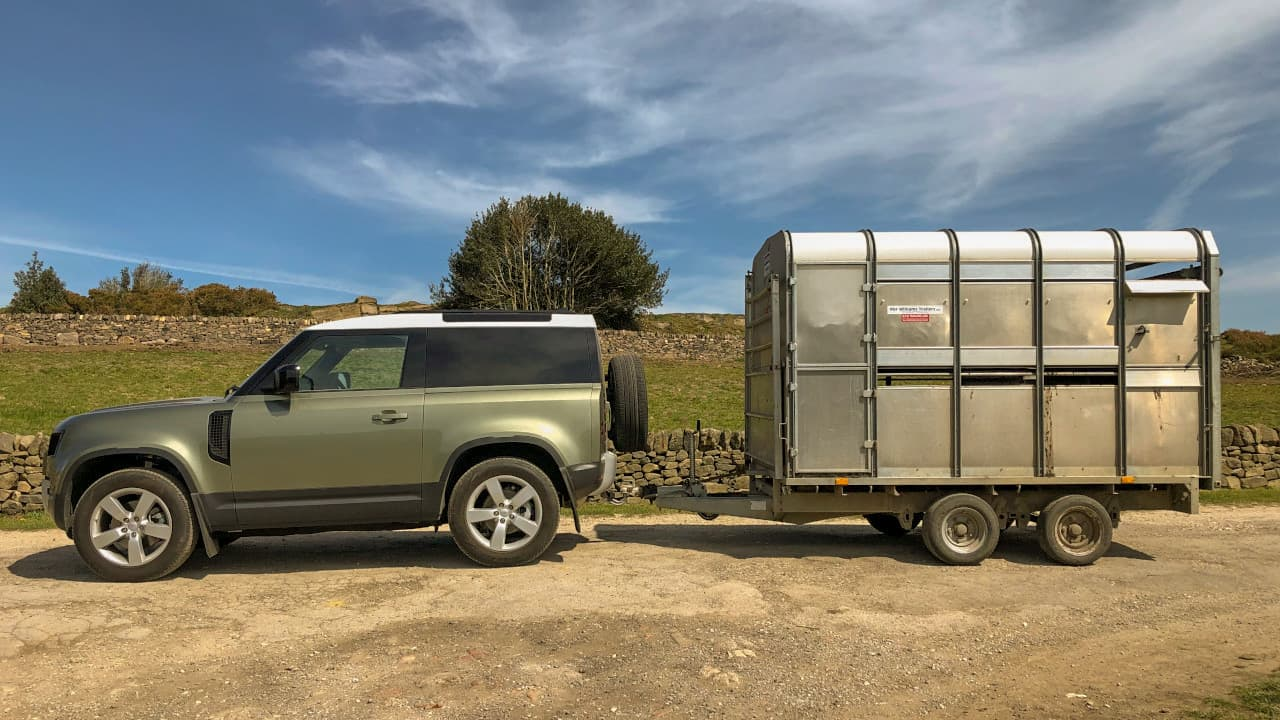 Land Rover Defender 90 Towing