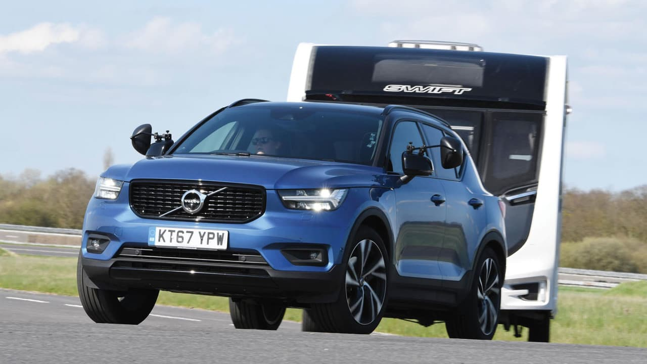 Volvo XC40 Towing