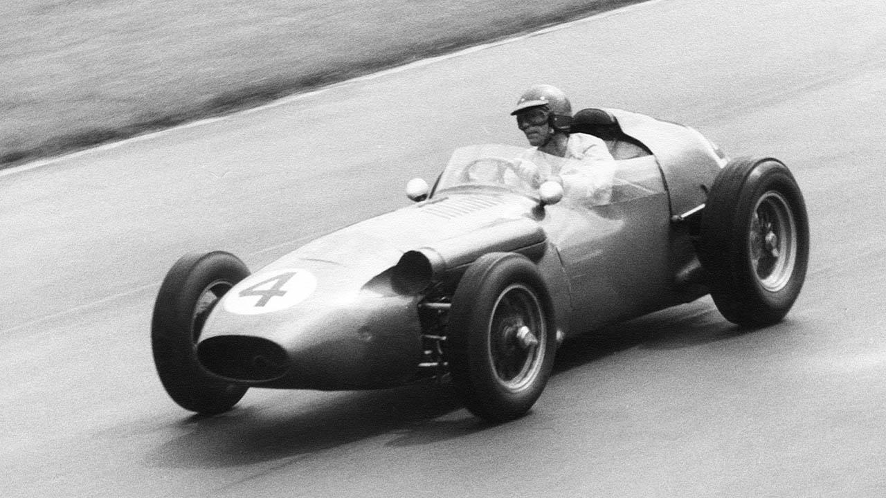 aston martin dbr4 racing at silverstone gp, 1959