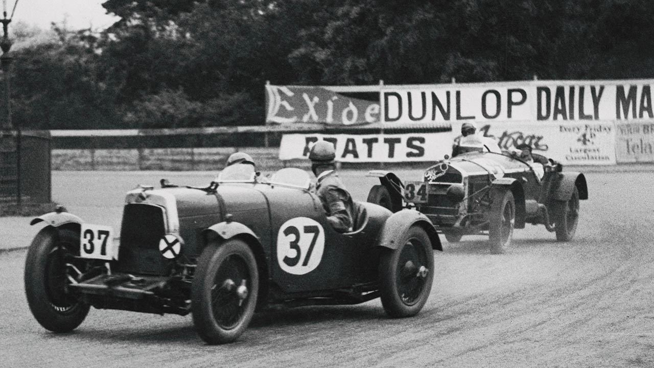 aston martin racing at irish gp in 1930
