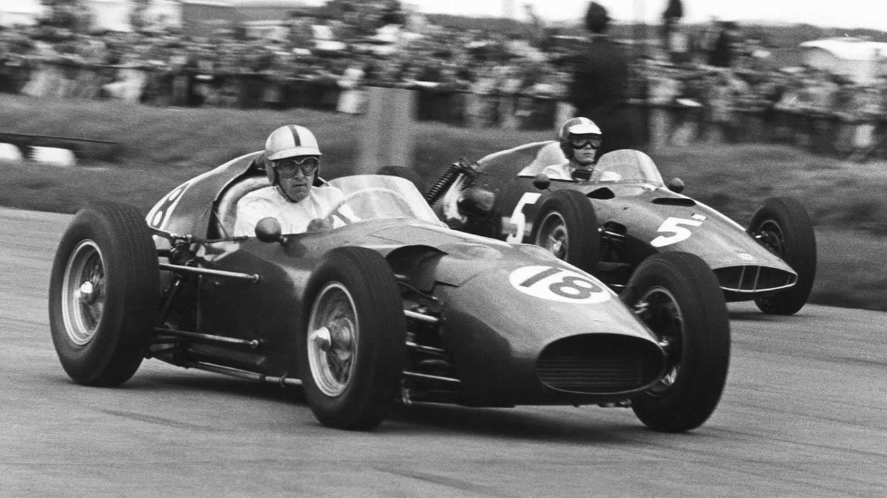 roy salvadori racing in aston martin, silverstone 1960