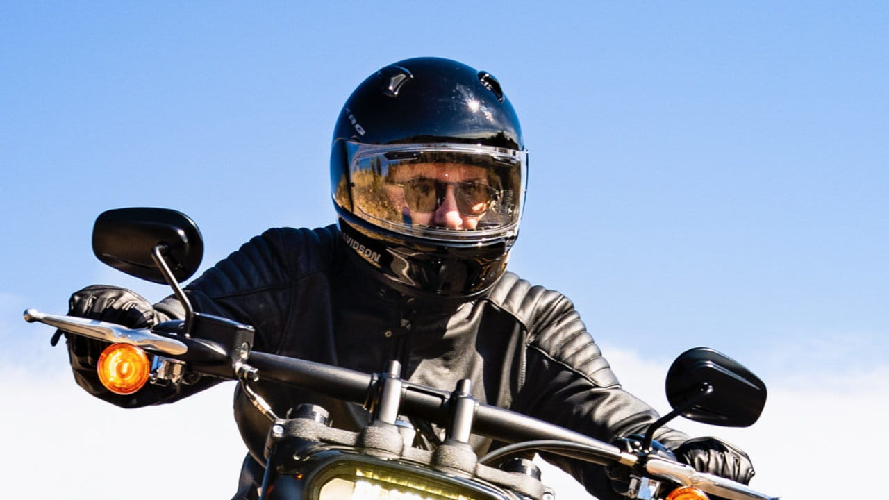Motorbike, Front