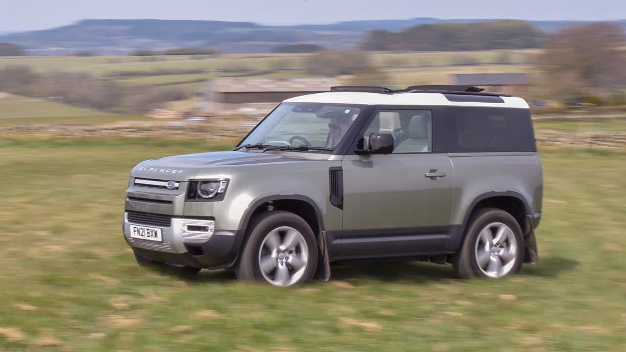Land Rover Defender 90 Off-Roading