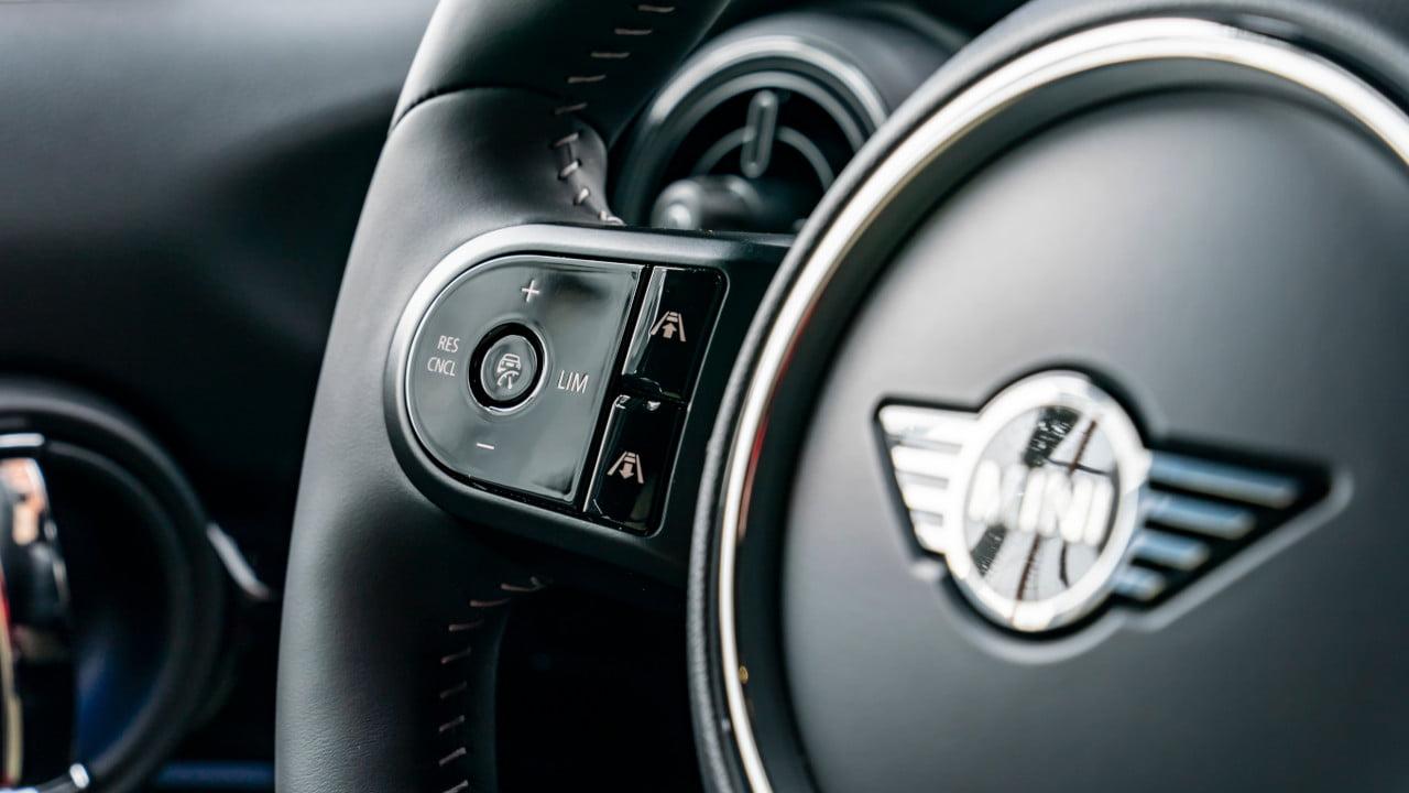 MINI Steering Wheel Controls