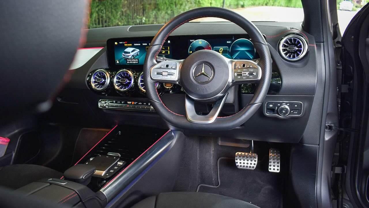 Mercedes-Benz EQA MBUX