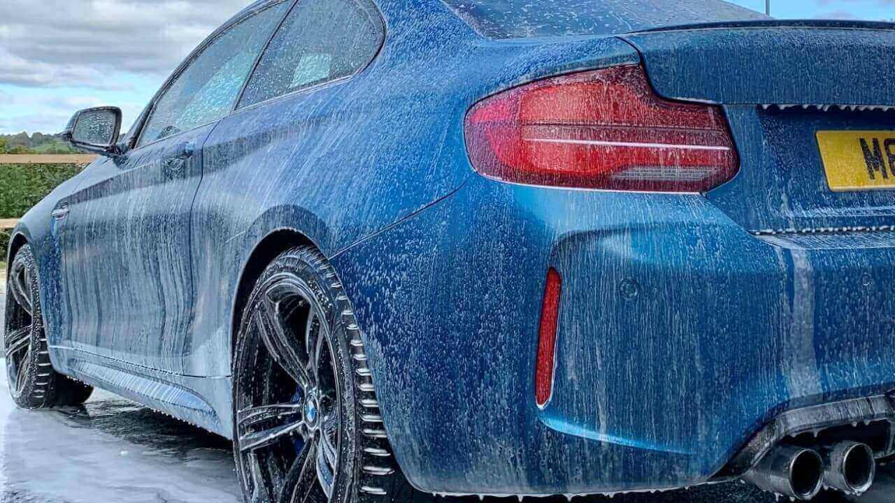 Clean BMW M2