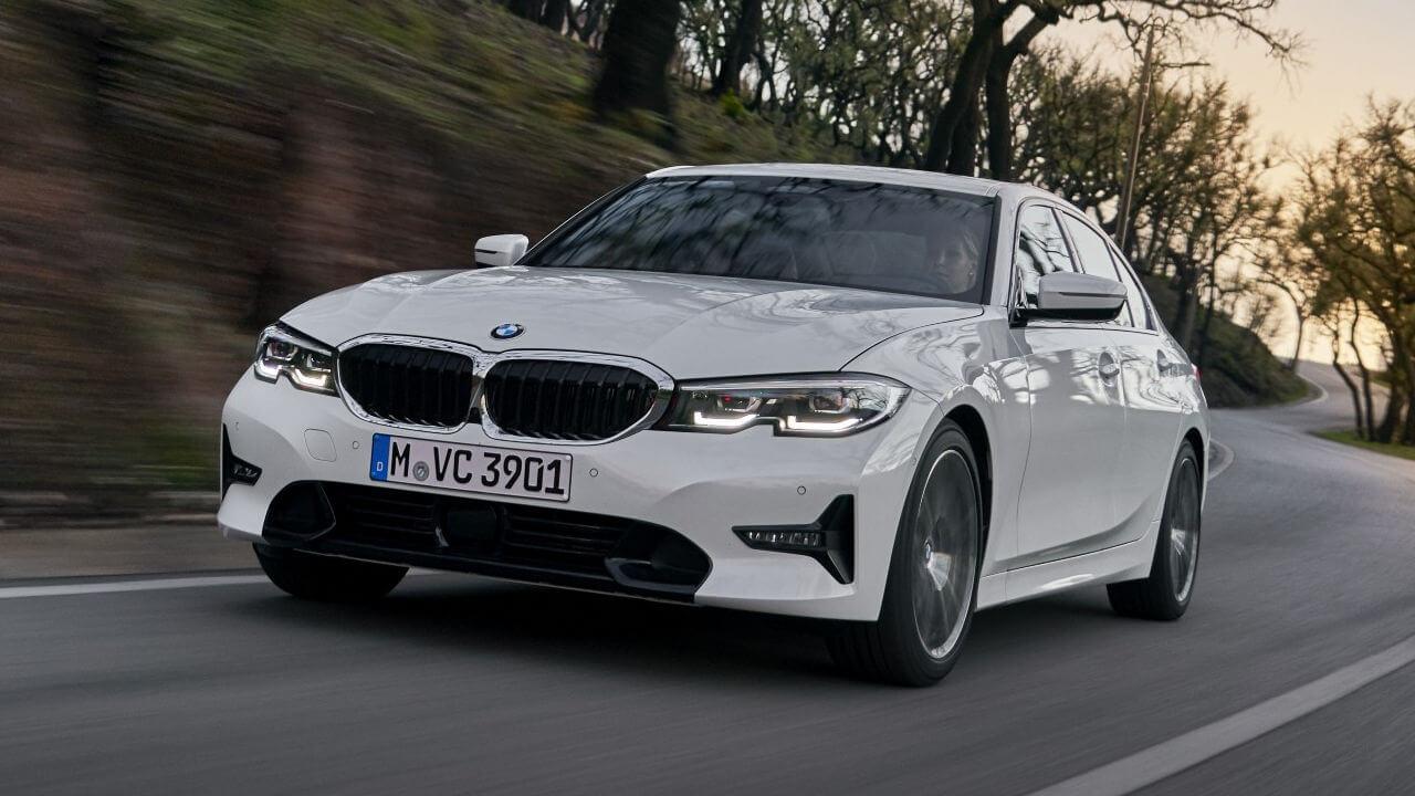 BMW 3 Series: Driving