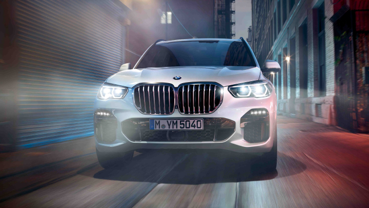BMW X5 in white.