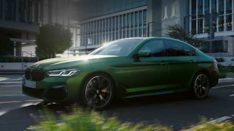 BMW M5 Exterior, Driving