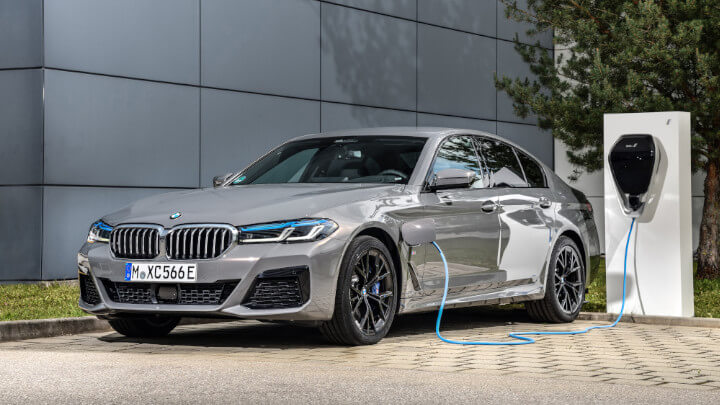 BMW 5 Series Saloon Charging