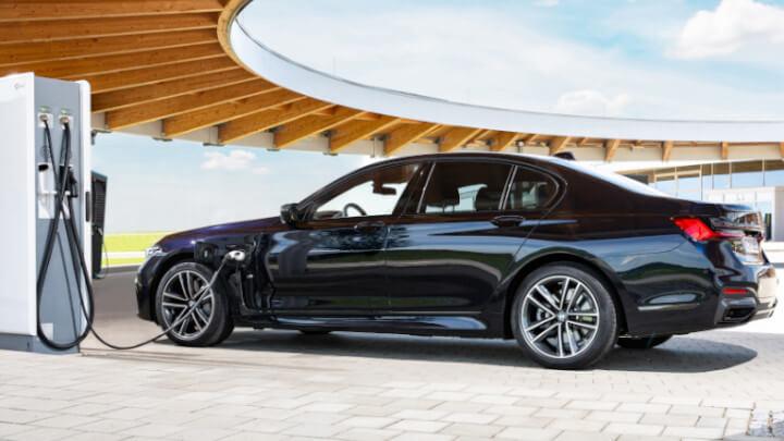 BMW 7 Series Plug-in Hybrid Charging