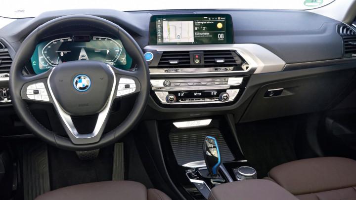 BMW IX3 Exterior New