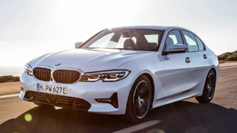 BMW 5 Series Saloon PHEV Driving