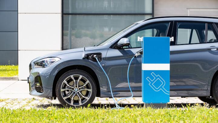 BMW X1 Plug-in Hybrid Charging
