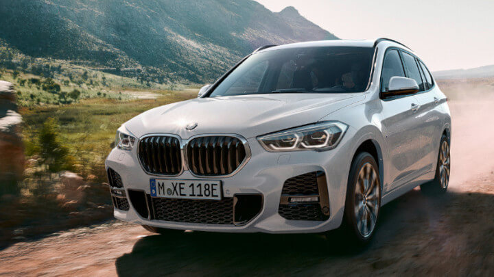 BMW X1 Plug-in Hybrid Driving