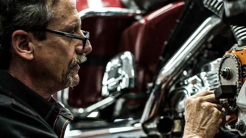 harley-davidson, technician completing service