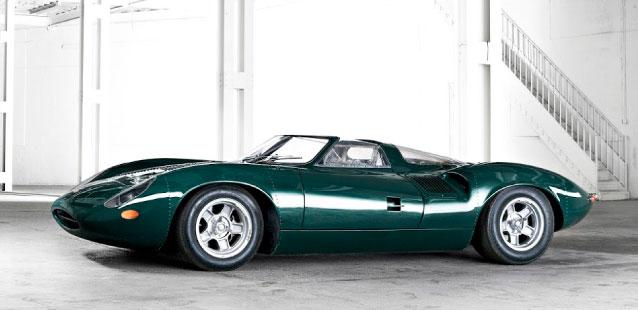 Jaguar XJ13 in green.