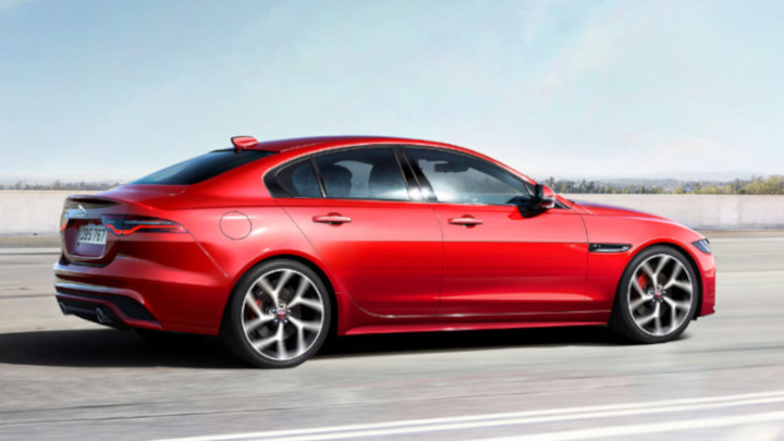 Jaguar XE Exterior, Driving