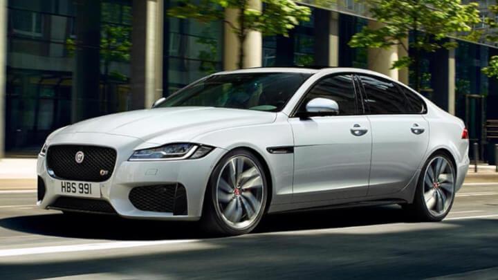 Jaguar XF, Driving