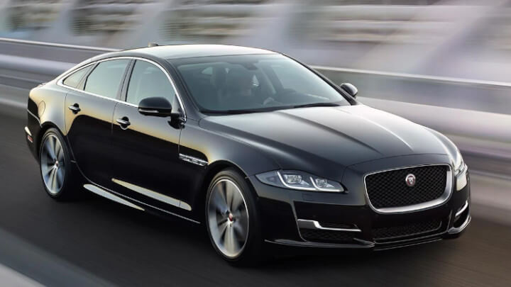 Jaguar XJ, Driving