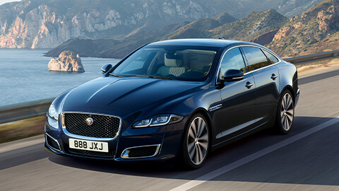 Jaguar XJ Driving