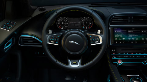 Jaguar F-PACE in car technology, InControl