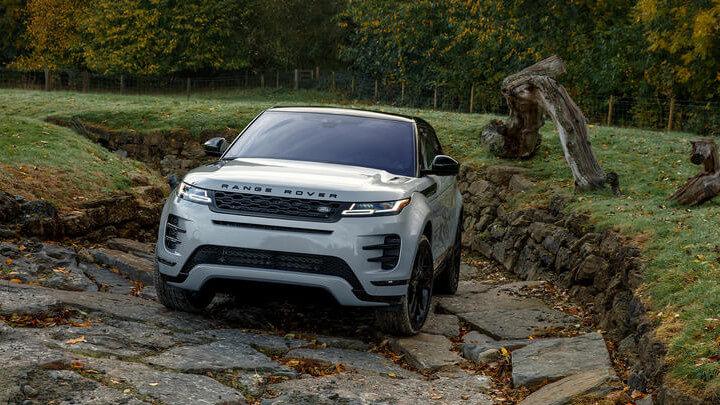 White Range Rover Evoque Off-Roading