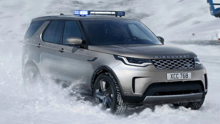 Land Rover Discovery Commercial Snow
