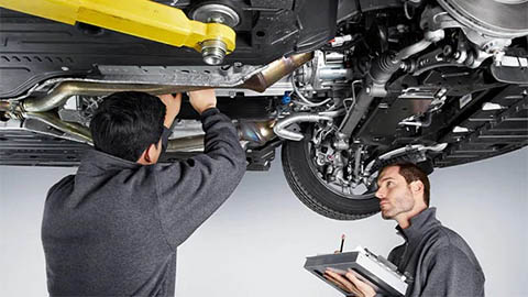 land rover technicians completing service