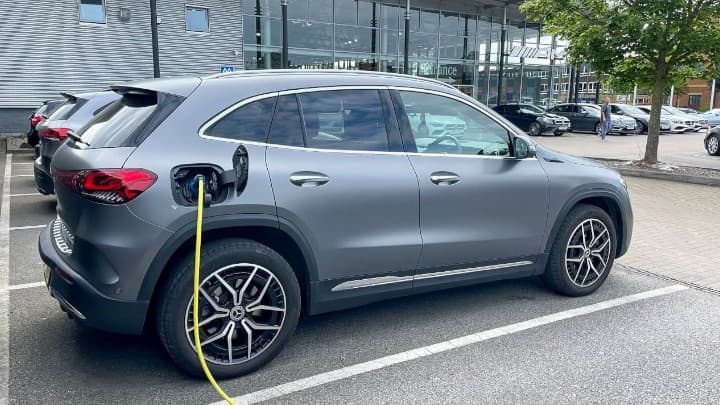 Mercedes-Benz EQA Charging