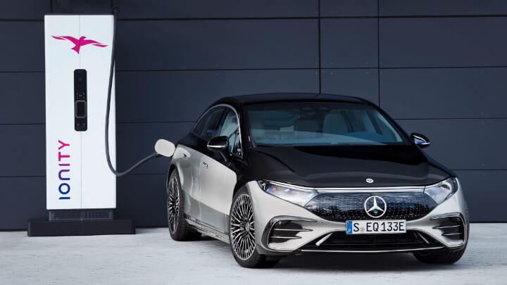 Mercedes-Benz EQS Charging