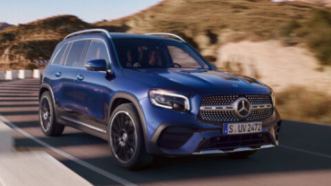 Mercedes-Benz GLB Driving
