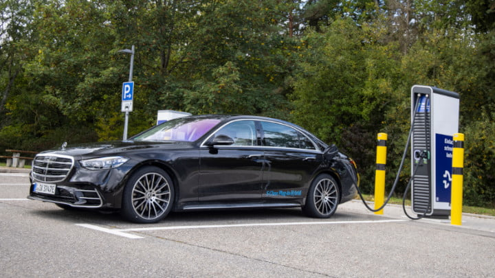 Mercedes-Benz S-Class Plug-in Hybrid Charging