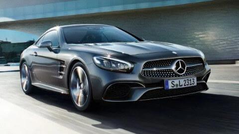 Mercedes-Benz SL Driving