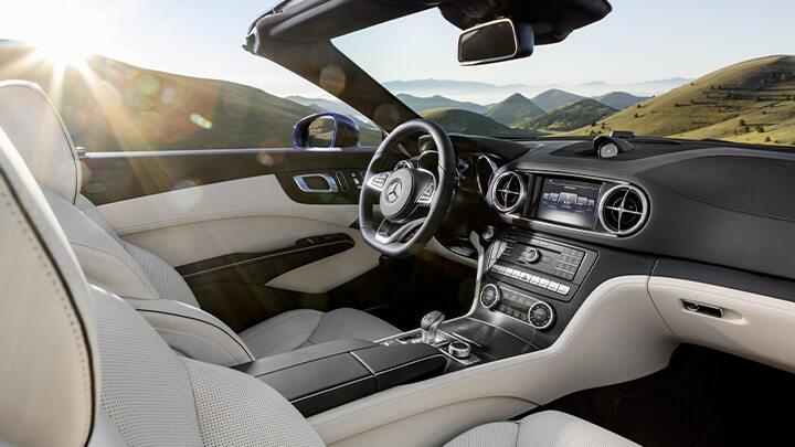 Mercedes-Benz SL Interior