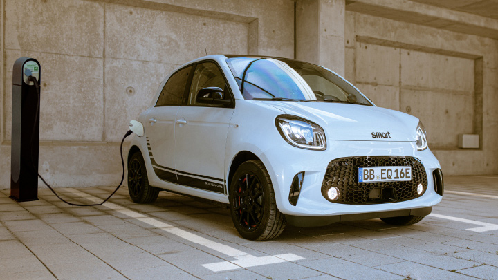 new smart forfour EQ on charge
