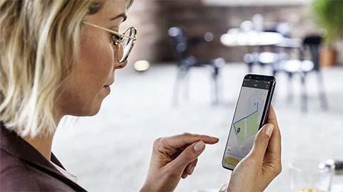 lady using smart app