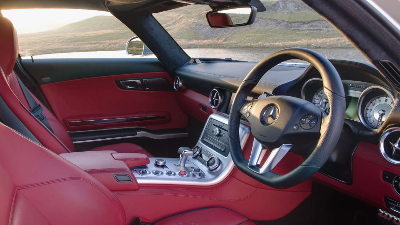 Mercedes-AMG SLS Interior Large